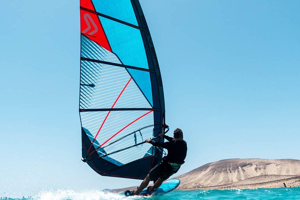 Dyno board setup with Simon Bornhoft part 1 – Freeride Outboard vs Freewave footstraps