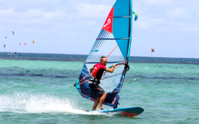 "Get and stay windsurfing fit with Simon Bornhoft's ""fitnesswise"" video guides"