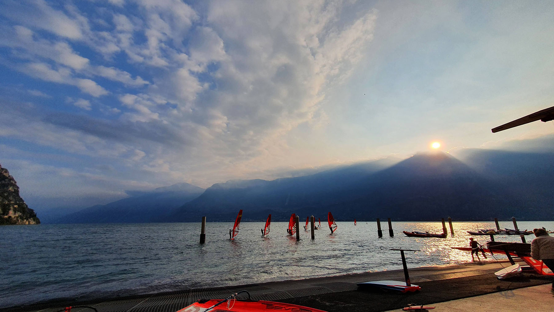 Junior and Youth iQFOiL clinic Lake Garda 2020